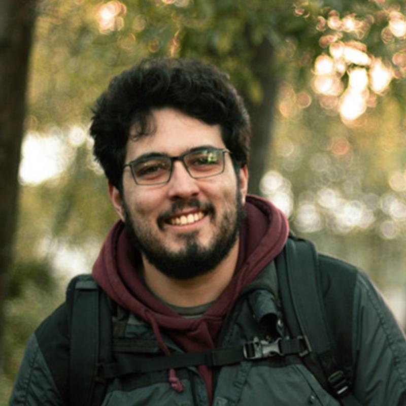 A picture of Mário Santos.